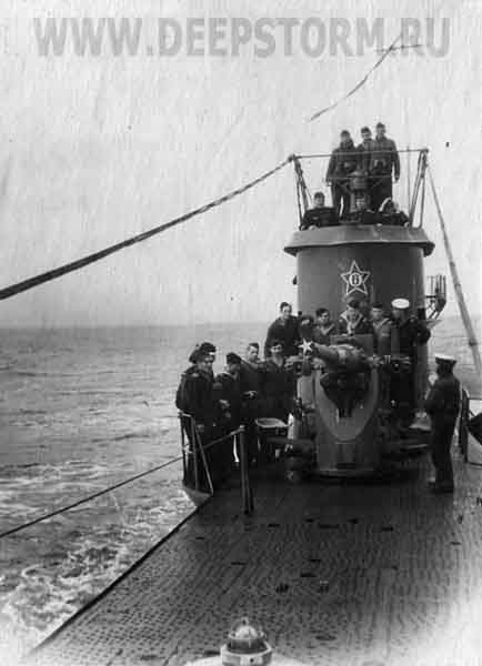В 1937 году 24-летний александр маринеско поступил в ленинградский учебный отряд подводного плавания